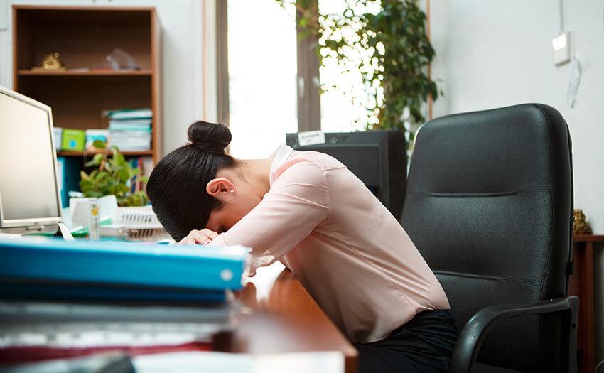 眠くてだるい・・・日中の眠気や倦怠感の原因と対策