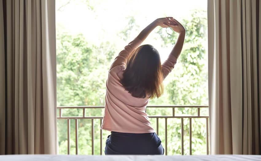 朝眠い、目覚めが悪い、寝起きだるい…朝スッキリ起きる8個の方法