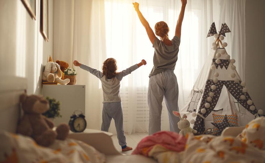 起床したら太陽の光を浴びること 疲れがとれる安眠方法。睡眠の質がグッと上がる15つのこと