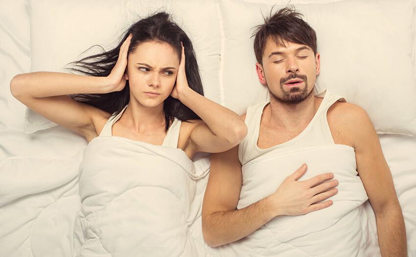 いびきと枕の関係は?いびきは枕で対策できる?