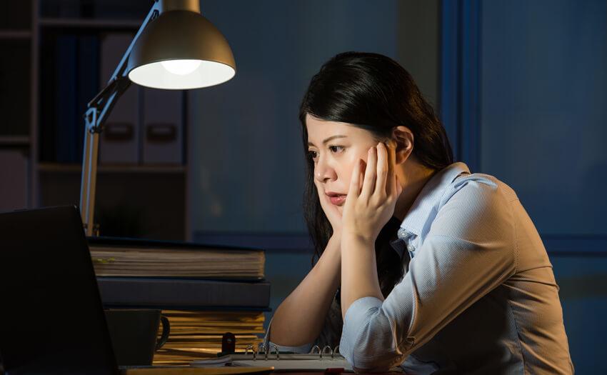 極度の疲労 寝過ぎてしまう原因とは?