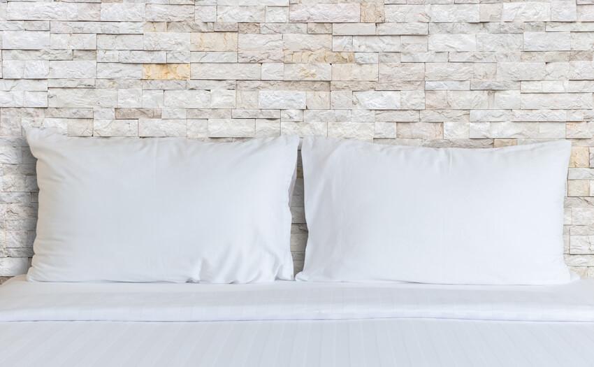 自分に合った枕とは? ストレートネックによる弊害とは?