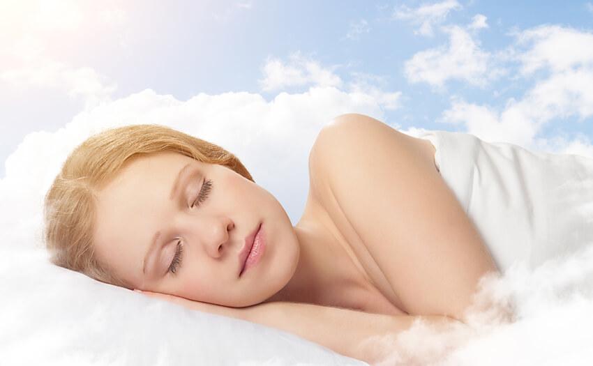 睡眠中の腰や背中の負担を軽くする方法