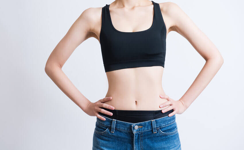 女性必見!腹筋に縦線を作る短期間トレーニング