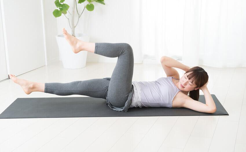 骨盤体操で悩みを解消しよう!寝ながらでもできる簡単ダイエット方法もご紹介!