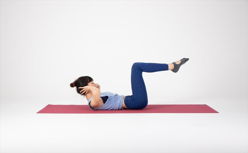 スロトレなら5回でOK!腹筋運動の定番「クランチ」(1)