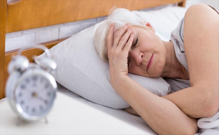 加齢に伴う寝汗の理由は?その対策を考える