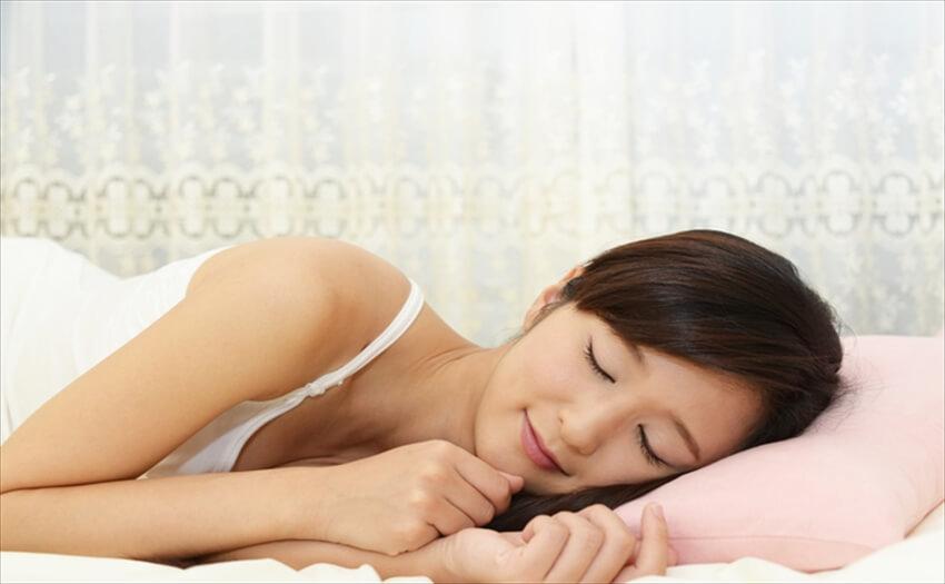 寝具から小物まで!暑さを和らげる快眠グッズ
