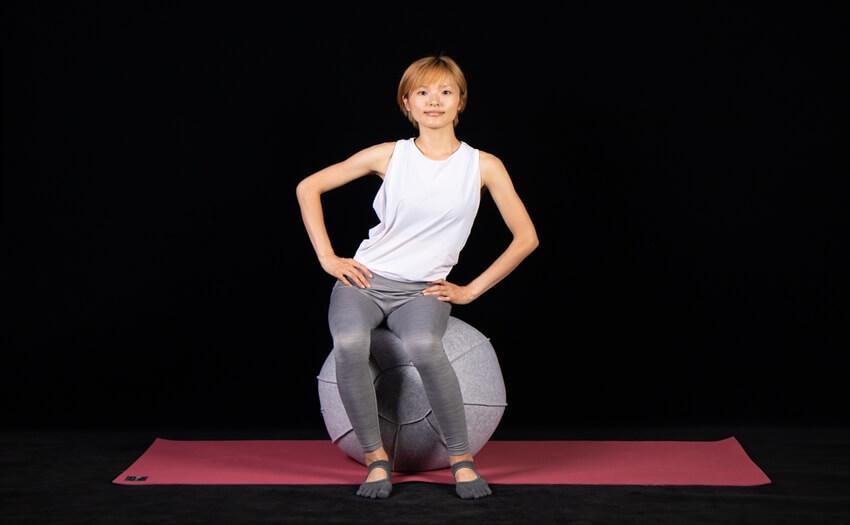 基本エクササイズその1「ボールに座って腰まわし」(3)