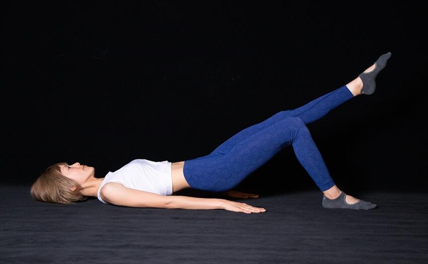 太ももの後ろ側がたるみがちな場合のエクササイズ(4)
