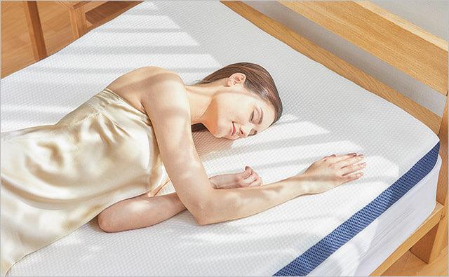 ベッドの上に一枚敷くだけ!